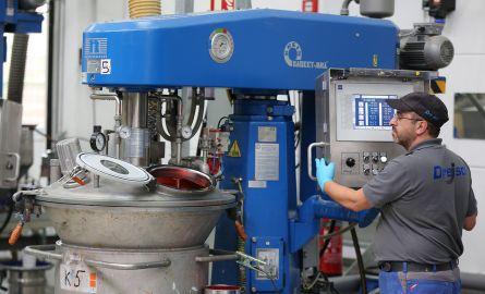 Juli 2020: Neue Aqua-Grundierung für den Maschinenbau